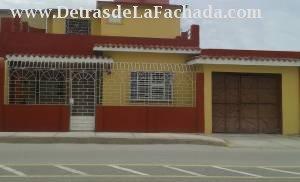Avenida Capitán Urbino #54 %José A. Cardet y 3ra. Frente al Ateneo Deportivo.