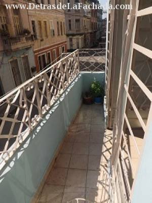 Aramburu, No. 16, e/ Jovellar y Vapor. Centro Habana. La Habana. Cuba.
