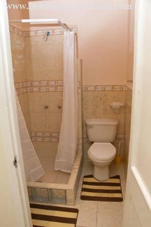 Baño de la primera habitación