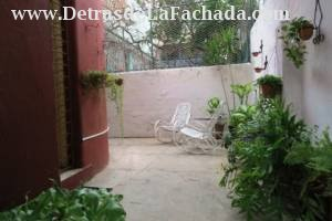 Separate entrance through terrace. Key is provided