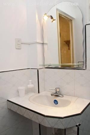 """Baño úlitma habitación \""""Verona\&"""