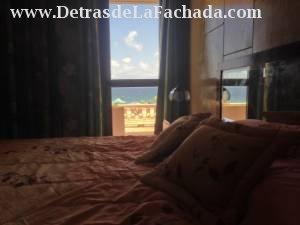 Vista al mar desde la cama king size