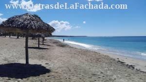 Playa Rancho Luna a 15 km del hostal