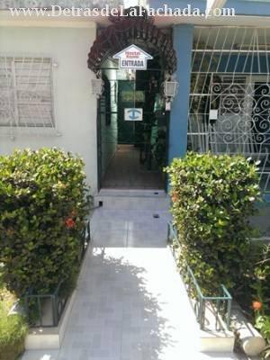 Avenida:Amado Esteves n.67 (altos) entre calle A y calle 8