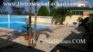 Casa de Lidia en Guanabo, piscina