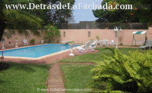 Patio privado con piscina