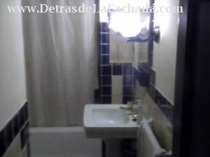 Baño entre las dos habitaciones