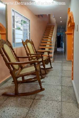 Escaleras de subida a habitaciones