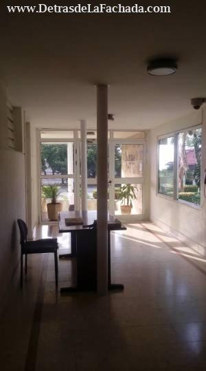 Residencia La Cecilia, Calle 3ª con 98