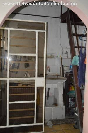 Patio con acceso a la Azotea y al balcón lateral
