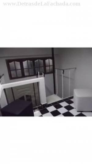 Uno d los dormitorios con dos pisos