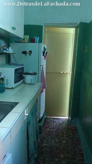 Cocina con puerta a la Terraza