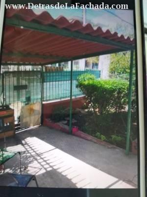 Jardín con carpoch, entrada independiente