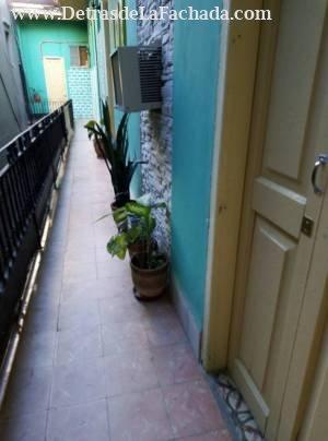Pasillo exterior, es el acceso solo para la casa