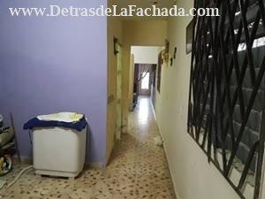 Pasillo interior visto de 3er cuarto para la sala