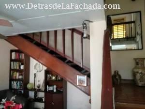 Escaleras al piso superior