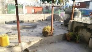 Estrada Palma # 315 altos e/ Cortina y Juan Bruno Zayas, Santos Suarez, Municipio 10 de Octubre